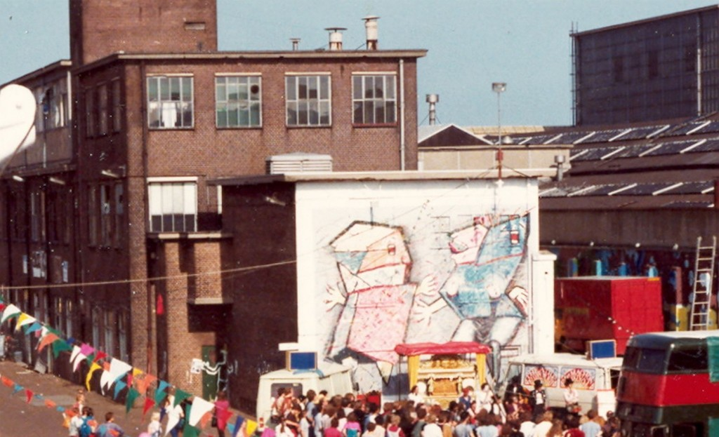 muurschildering, Festival of Fools, 1980